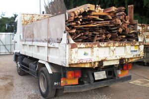 産業廃棄物の搬出イメージ画像